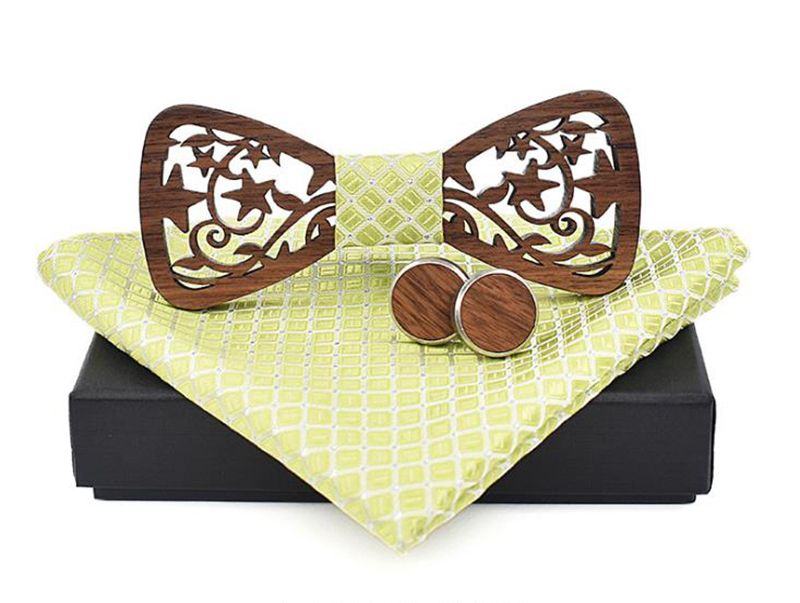 pánský motýlek dřevěný vyřezávaný
