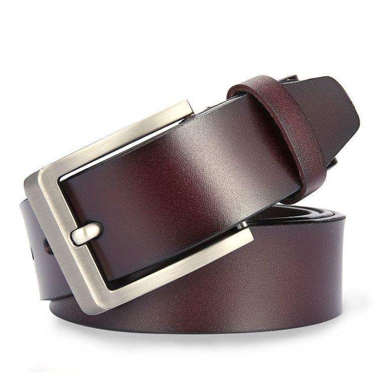 hnědý kožený pásek